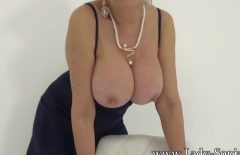 Mature woman goes crazy after cock