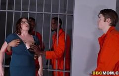 Porno Three Inmates Black Fuck A Fatty Cell Baba