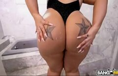 Big Ass And Tattooed Fucked By A Black Man With A Crooked Cock